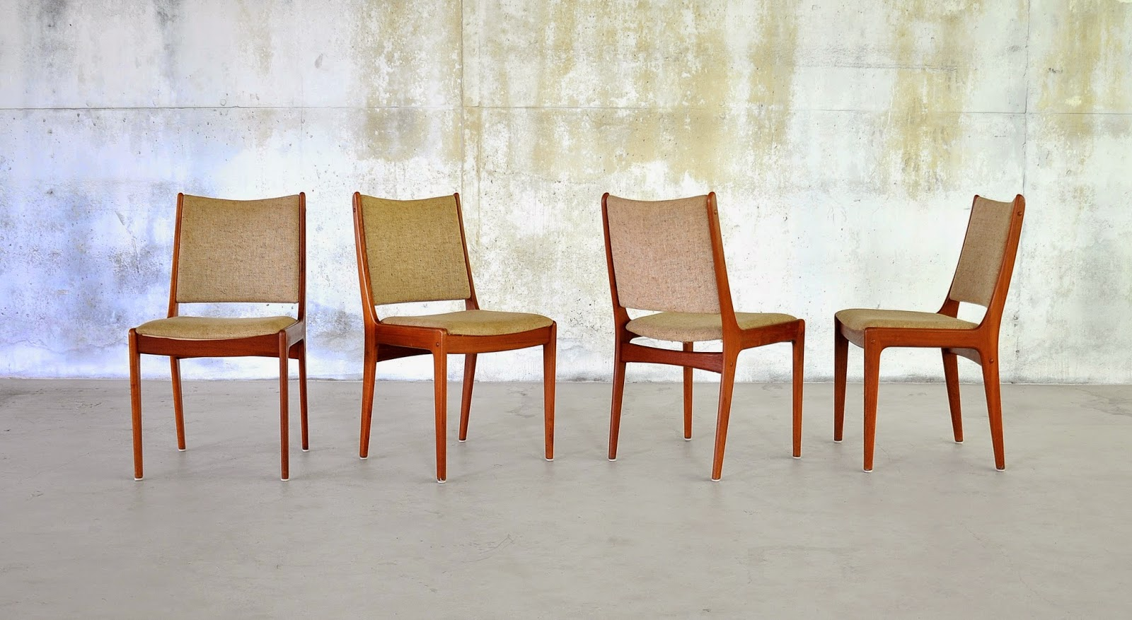 Select modern set of 4 danish modern teak dining chairs for Dscan dining room set