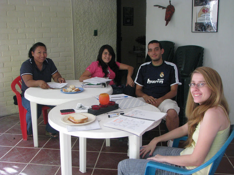 Grupos personalizados de enseñanza de lenguas de señas