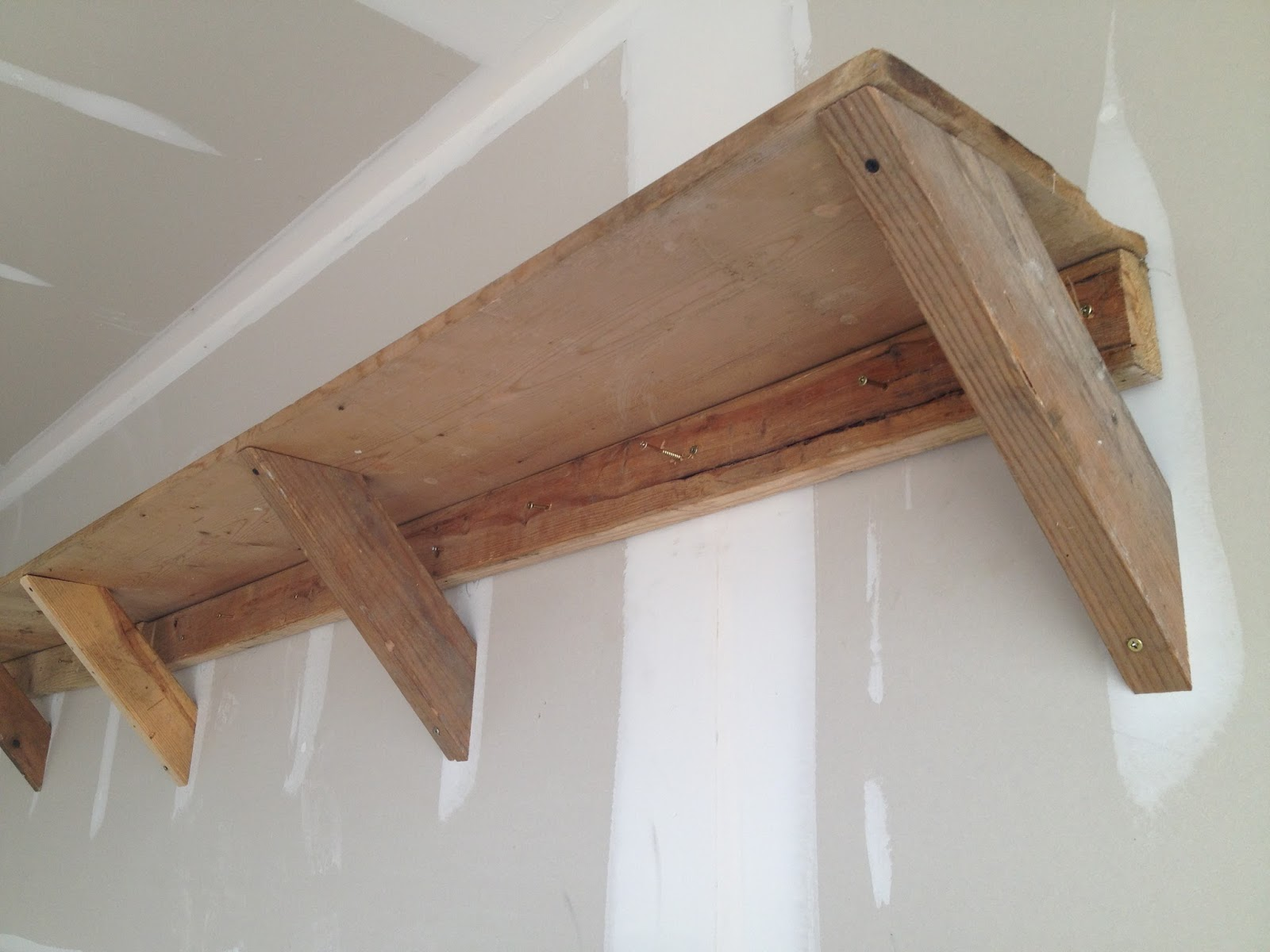 Building wood shelf supports quick woodworking projects for Wood craft shelves