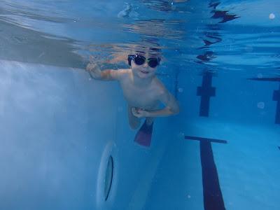 pływanie na basenie, nauka pływania dla dzieci, najgłębszy basen w Krakowie, basen Korona