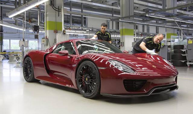 ポルシェが918スパイダーの生産終了を発表。