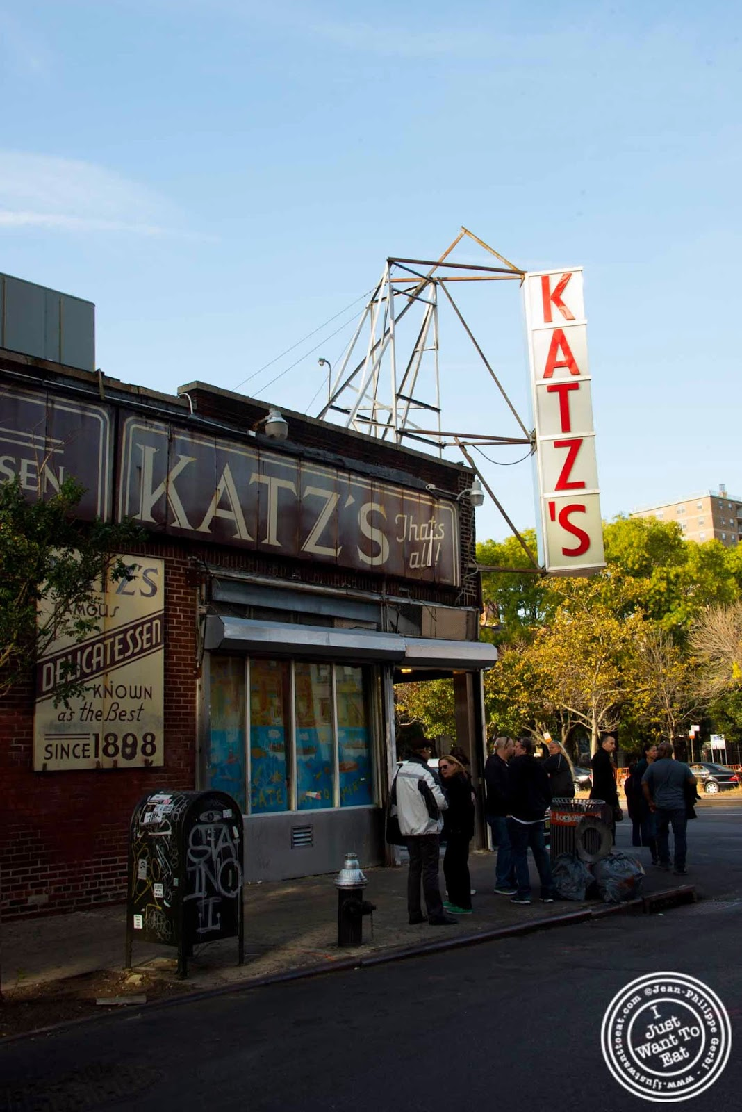image of Katz's Deli in NYC, New York
