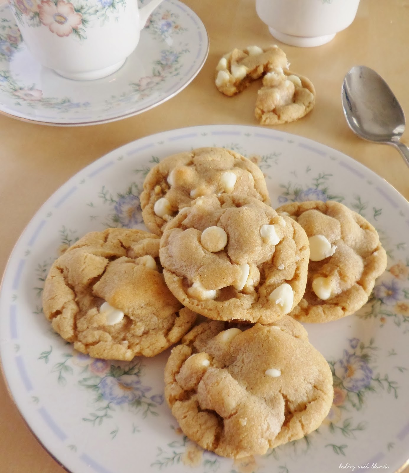 Brown Butter Cinnamon Cookies With White Chocolate Chips