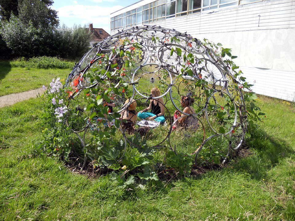 Recycle old bike rims and make a homemade igloo garden Recycle