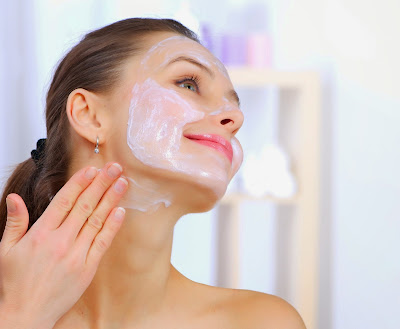 Acne and blackheads: 3 ways that green tea can help you Steam bath clay mask Homemade remedies