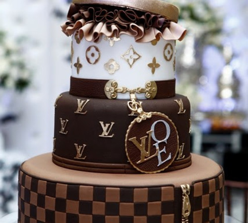 Cake Decorating Expo : Kricky konyhaja: Louis Vuitton torta