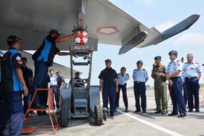 Sukhoi TNI bom P100 buatan lokal