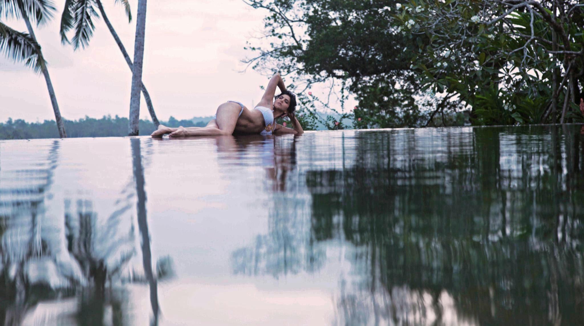 Jism 2 Latest HQ Movie Stills - Featuring Hot Sunny Leone