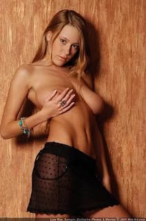 young girls - sexygirl-karina5_15-791627.jpg