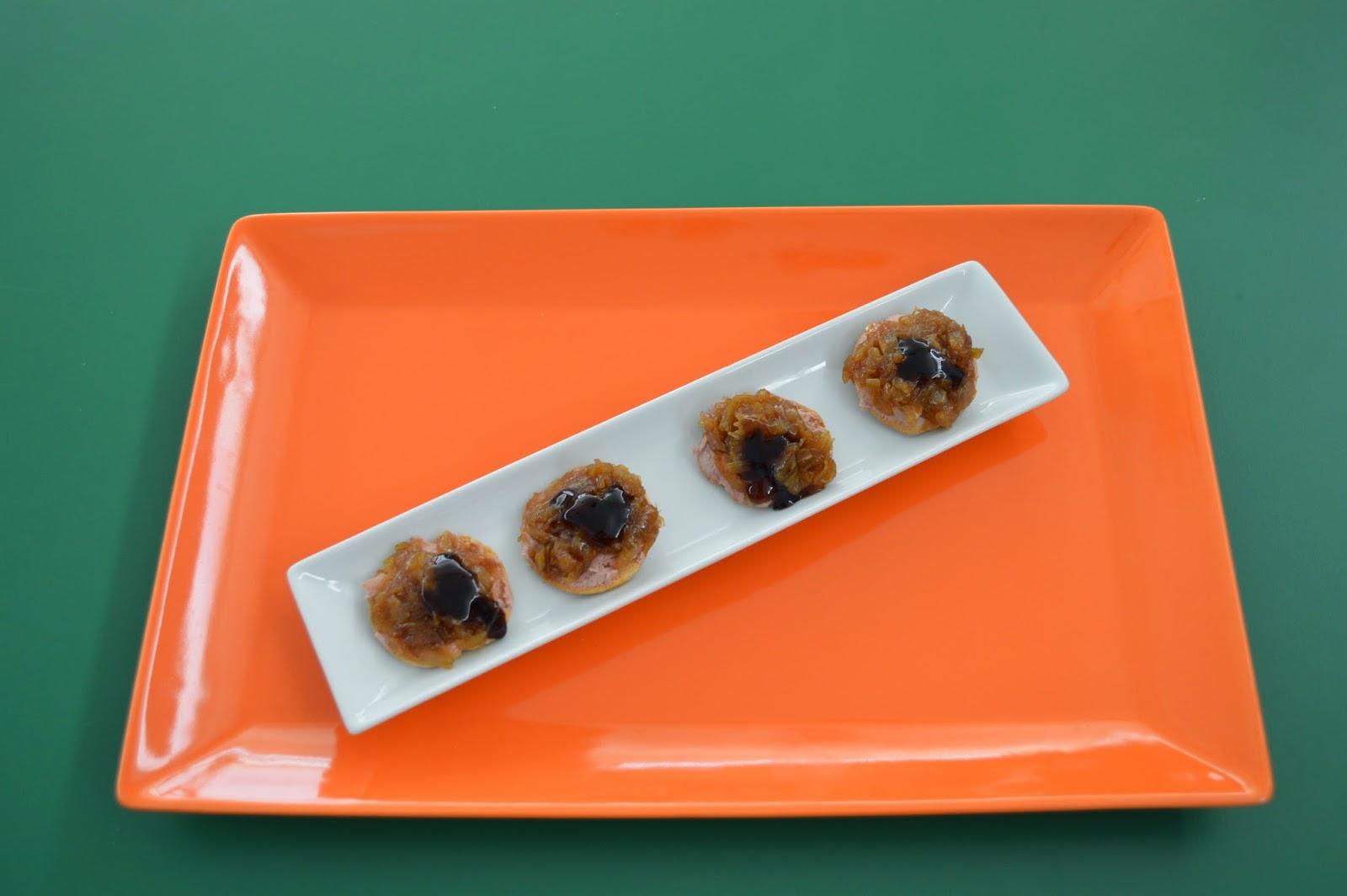 12 chefs para 12 tapas canap de pat con cebolla for Canape de pate con cebolla caramelizada