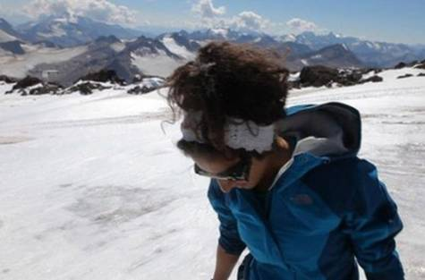 Gulf news, Saudi Arabia, Raha Moharrak, 25, Became, First, Saudi, Woman, Attempt, Climb, Youngest Arab, Top of Everest.