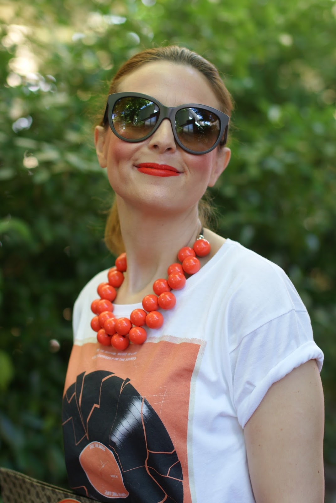 orange necklace, 60s inspired look, Fashion and Cookies fashion blogger