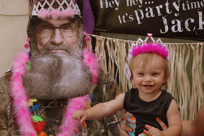 Uncle Si and get their pictures taken with him. Uncle Si wore a tiara