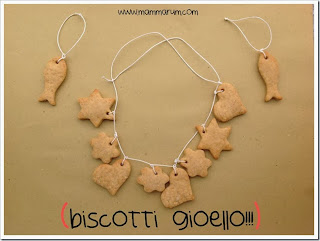 http://www.mammarum.com/2013/05/biscotti-gioiello-per-la-festa-della.html