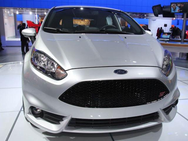 Fiesta ST1 inclui rodas de liga de 17 polegadas, faróis de neblina