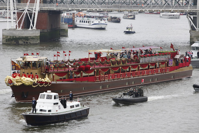 Queen+Diamond+Jubilee+Thames+Pageant+photos+Royal+Barge+Spirit+of+Chartwell