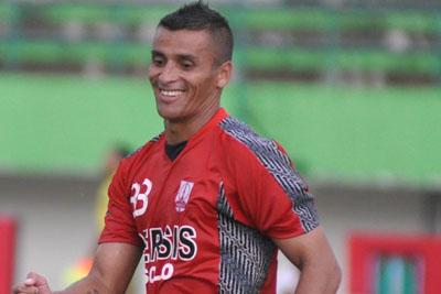 Almarhum Diego Mendieta Tak Digaji Selama 4 Bulan