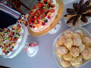 pavlova,cream puff, eclairs