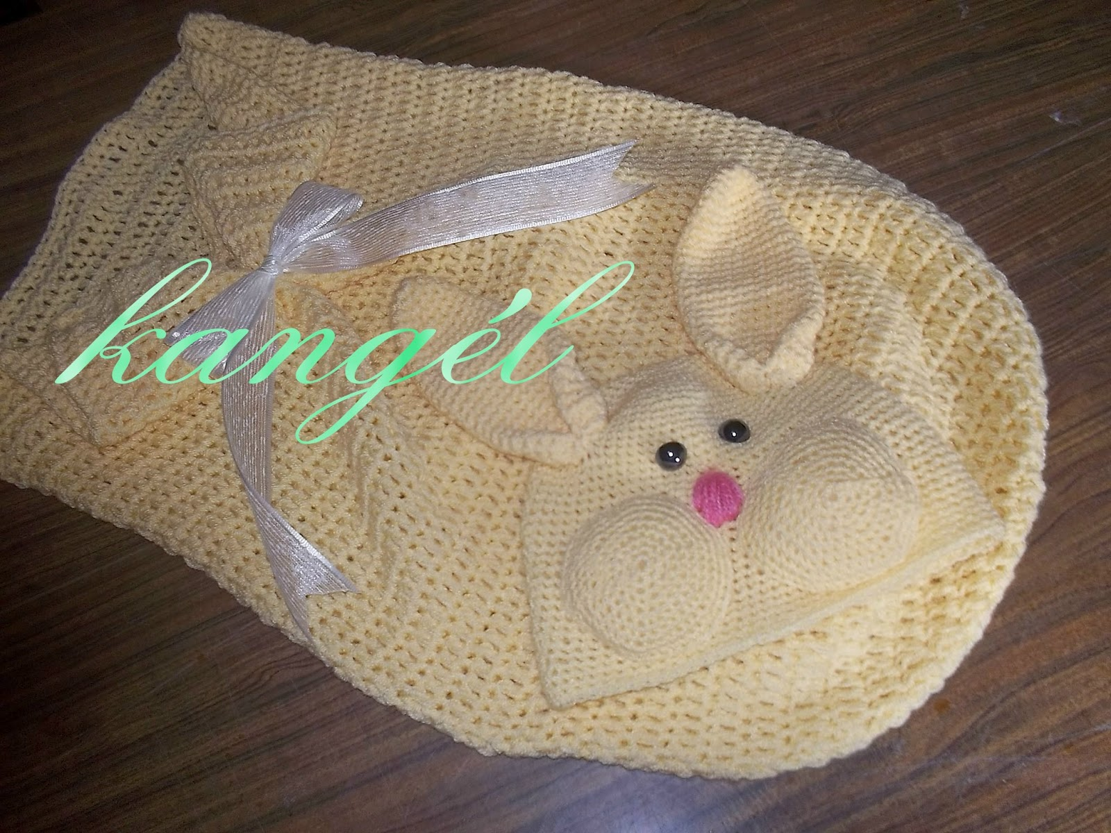 Kangél tejiendo con armonía : costalito par bebé (conejito)