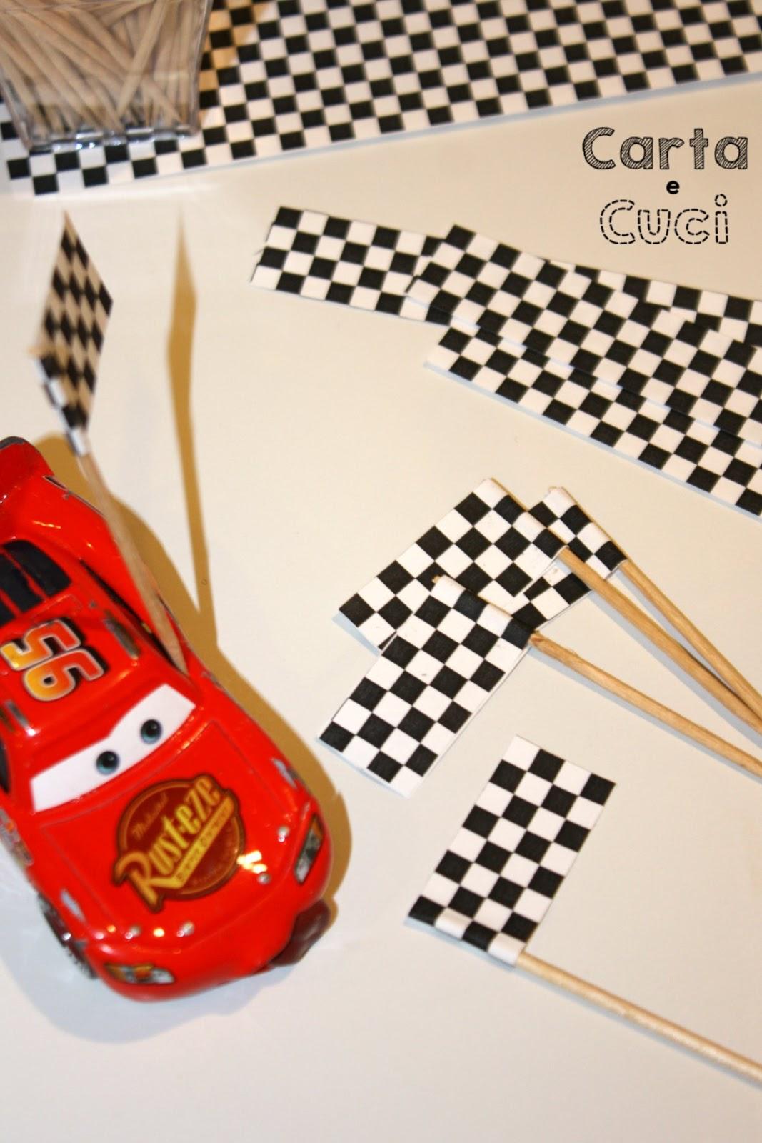 Carta e cuci compleanno edoardo cars le bandierine a for Cars 2 da stampare