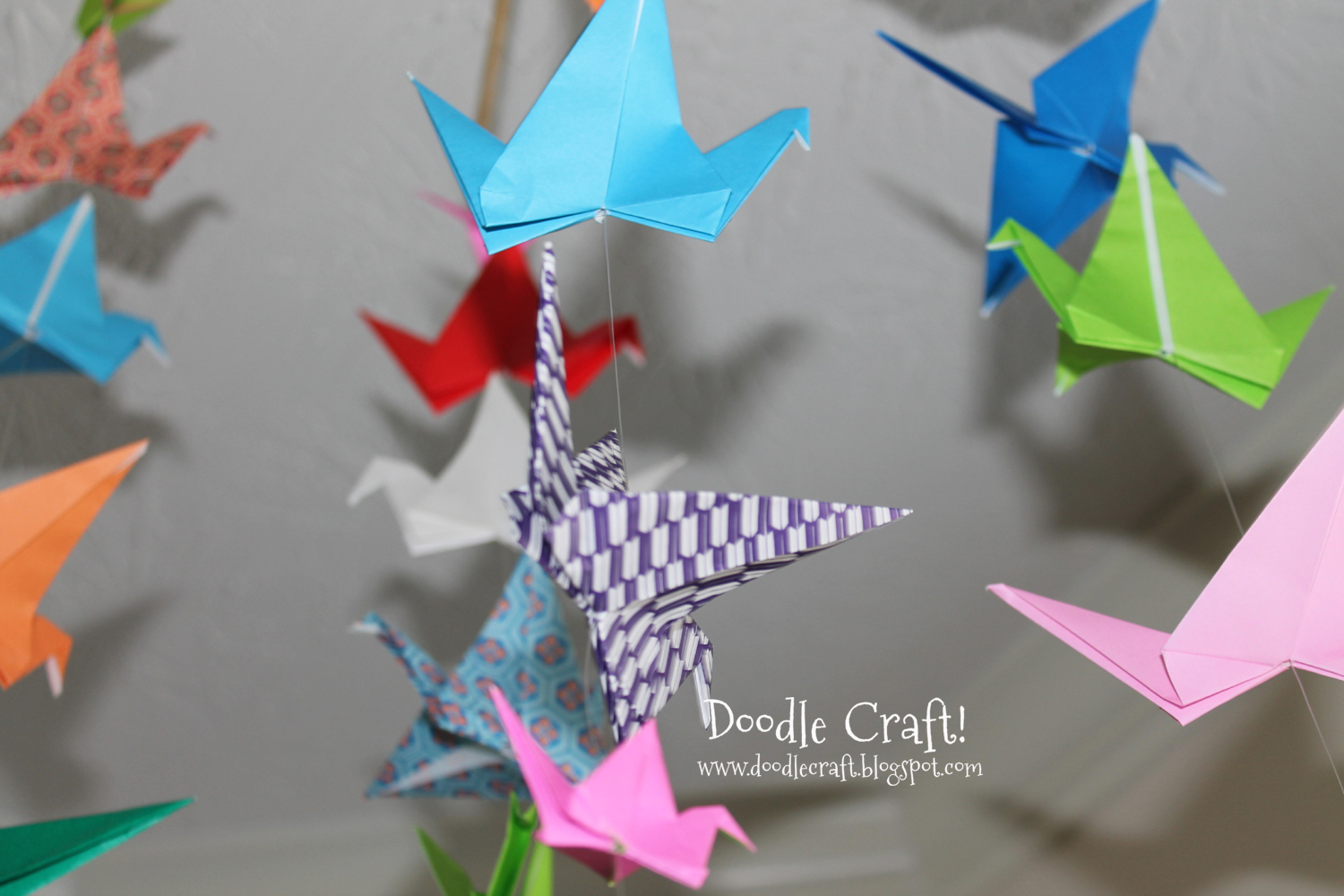 Doodlecraft origami flapping paper crane mobile for Paper craft step by step