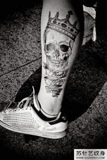 Caveira nas pernas