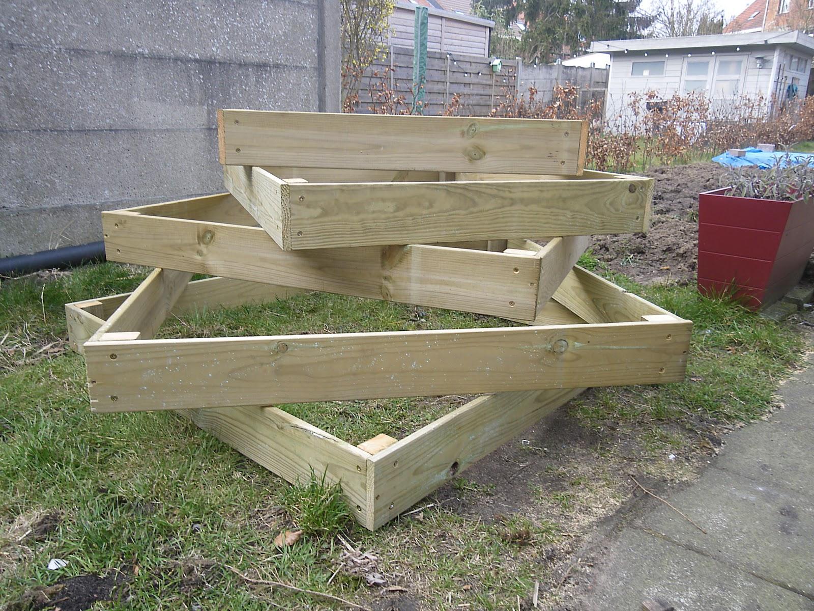 Moestuin Zelf Maken : Vierkante meter tuinieren je eigen minimoestuin maken deel