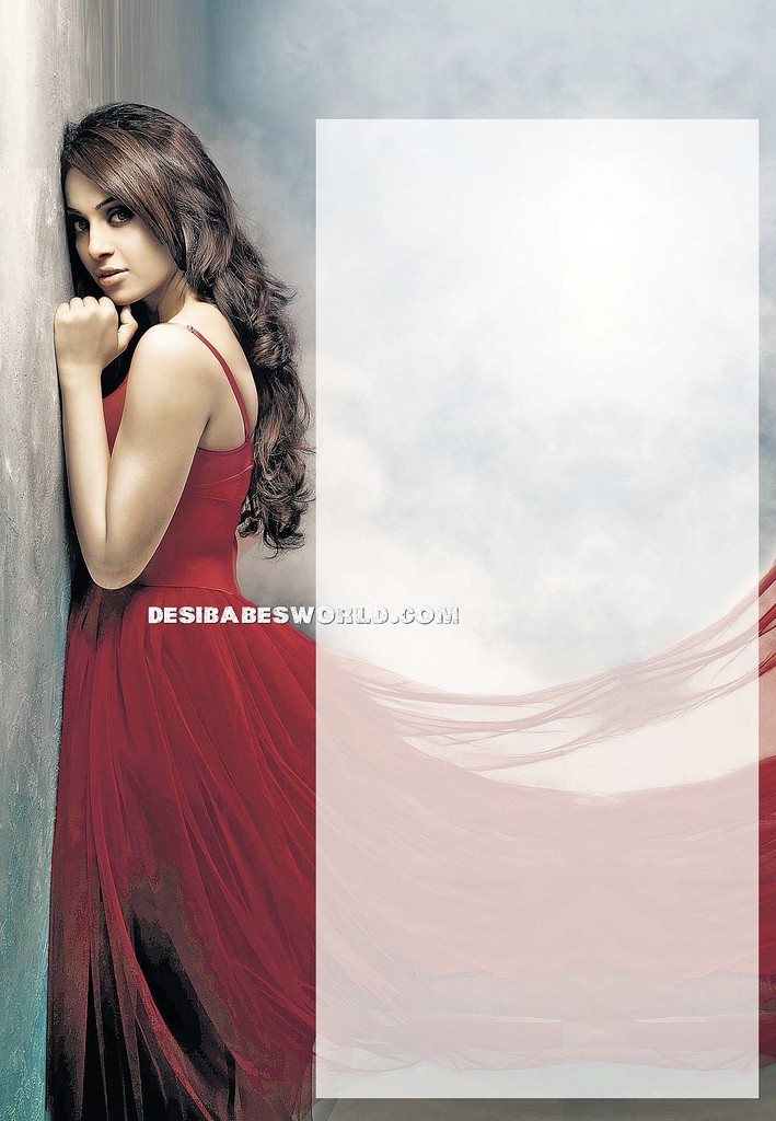 Bipasha Basu Hot Unseen Scan - HQ
