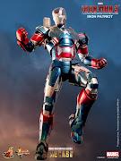 Imágenes del muñeco de acción de Iron Patriot que aparecerá en la película .