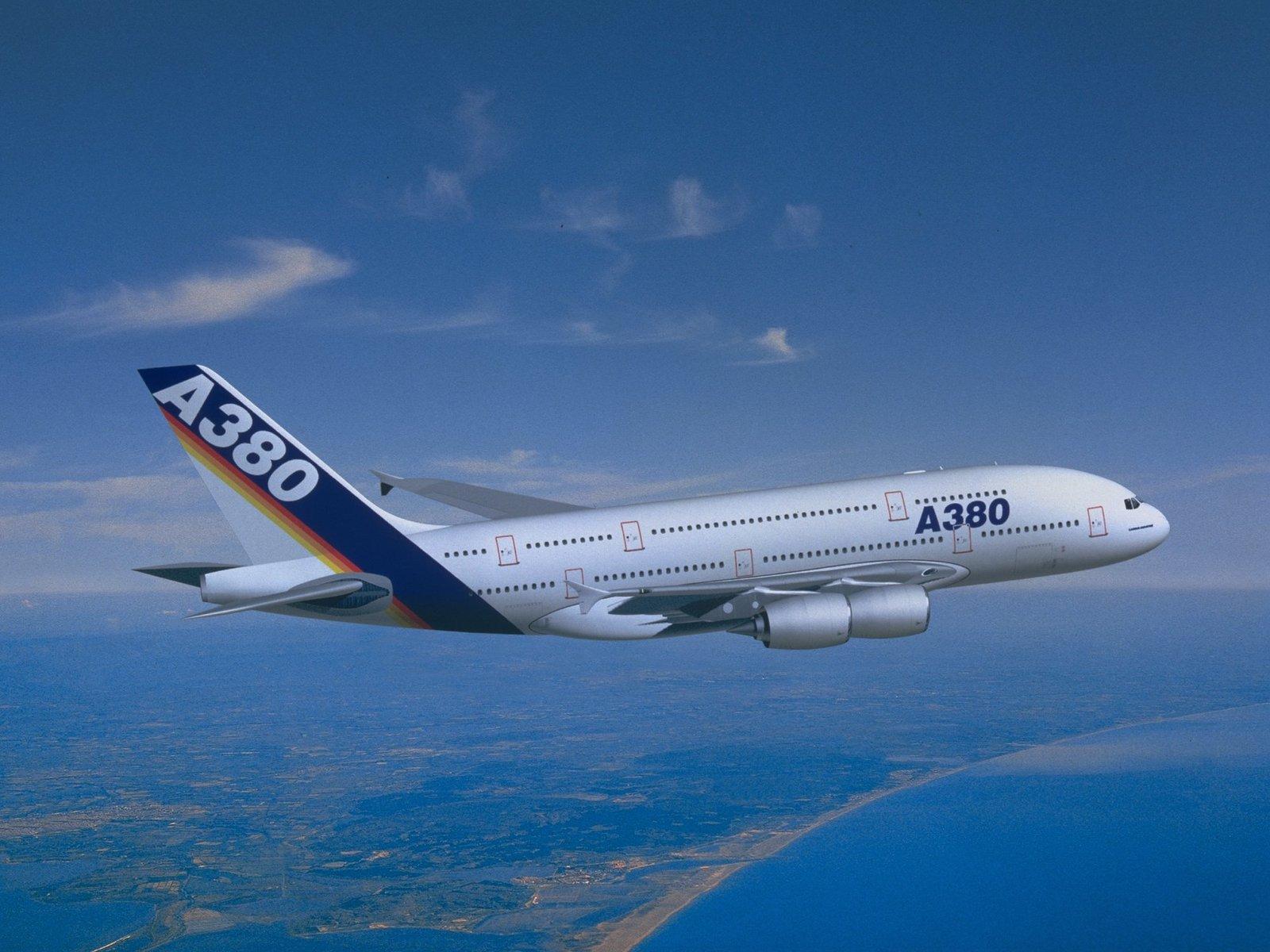 http://3.bp.blogspot.com/-IiWBq4pcswU/TfYuD4qeHqI/AAAAAAAAALk/FUF1uE1XfDc/s1600/2-airbus-A380D-1600x1200.jpg