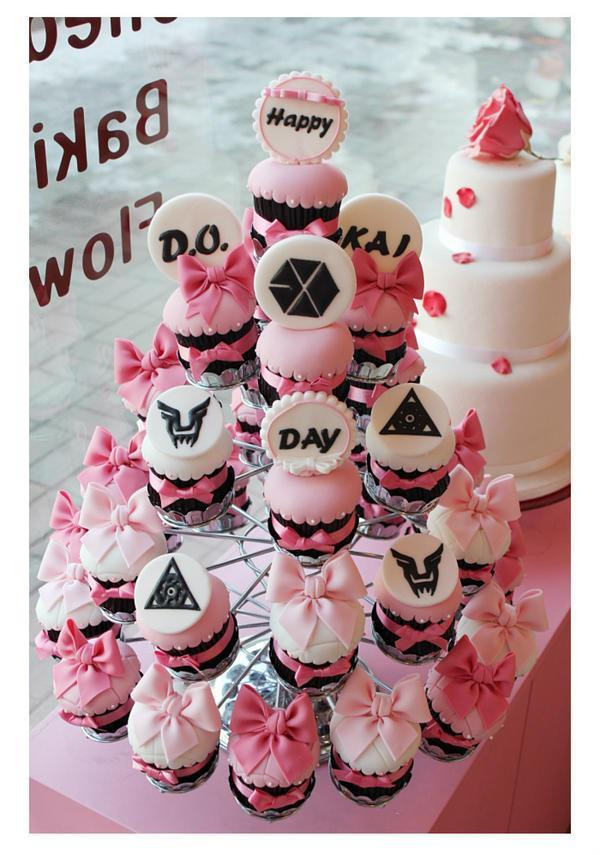 Kai and Kyungsoo 's birthday cupcake from fans via WeLoveEXOKM