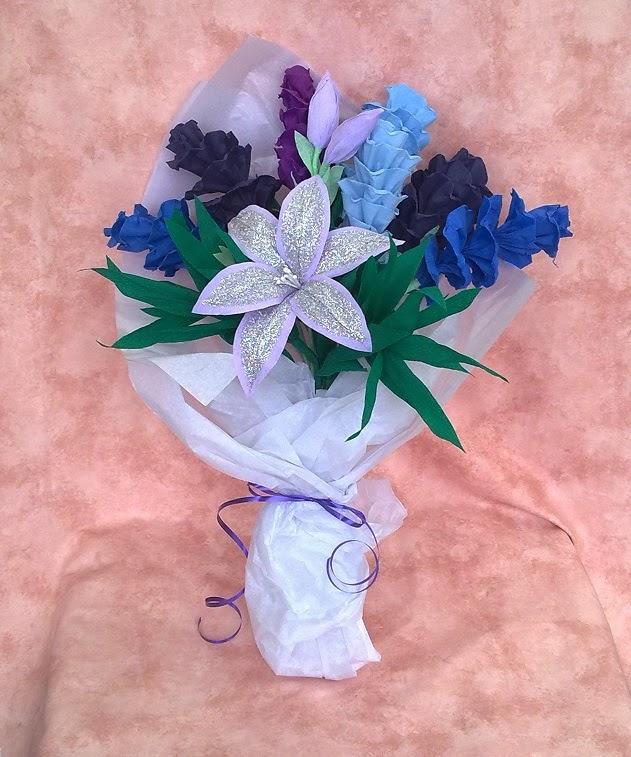 Crafty little Beanut!: Crepe paper flower bouquet (blues)