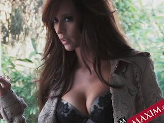 Jennifer Love Hewitt hot in Maxim April 2012 show his big boobs in push-up bra 15xHQ