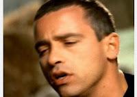 videos-musicales-de-los-90-eros-ramazzotti-canciones-lejanas