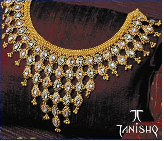 tanishq necklace tanishq not provides you the jewellery but instead