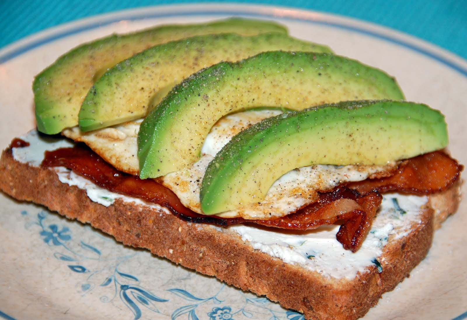 Southern Lady's Recipes: Fried Egg, Bacon and Avocado Sandwich