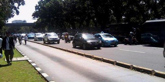 Massa Prabowo Semakin Berdatangan, Arus Lalin Depan MK Dialihkan