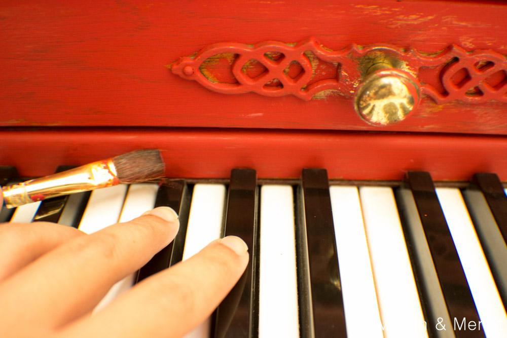 Annie Sloan Merlot Red Paint