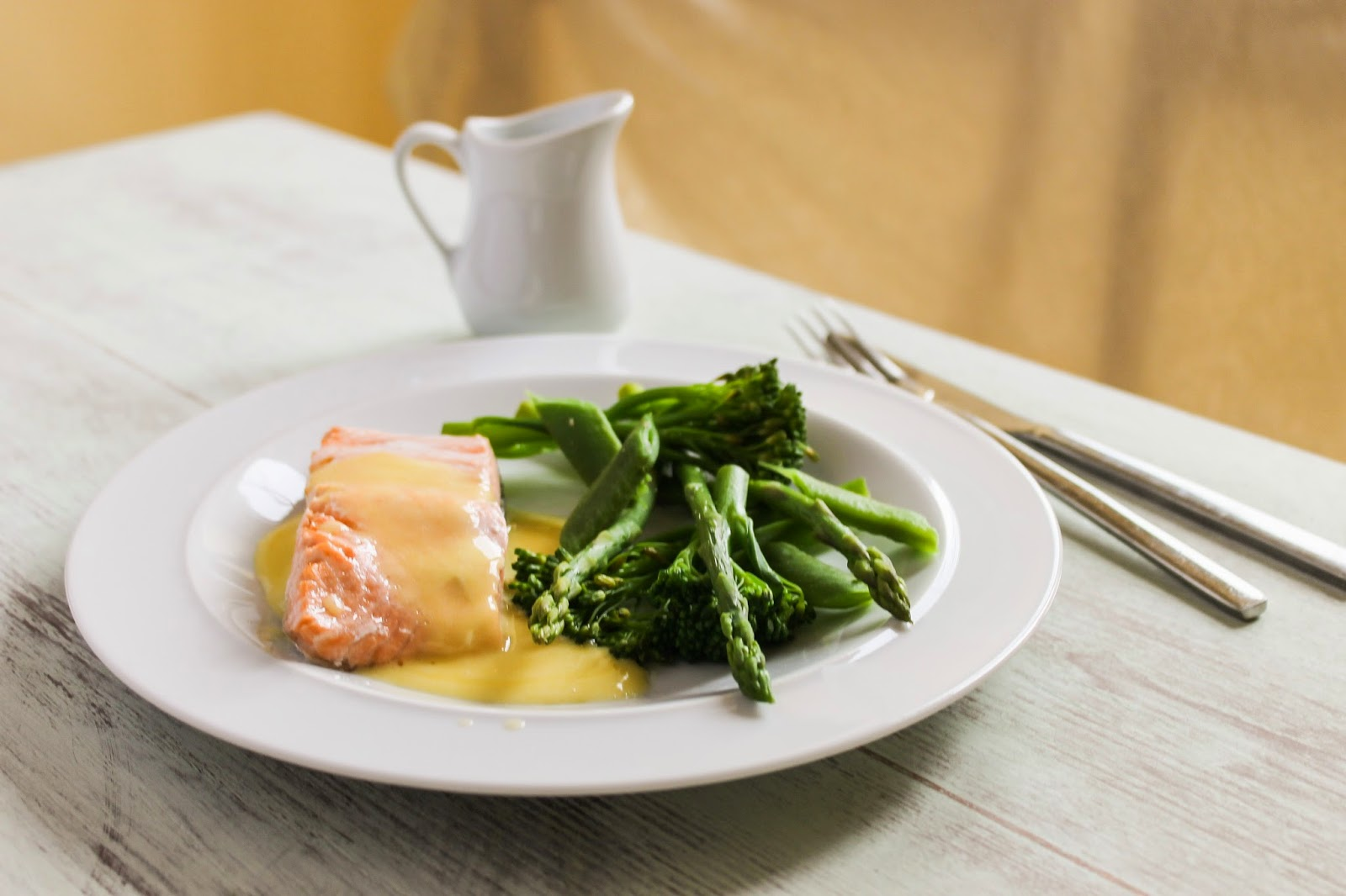 Salmon with hollandaise