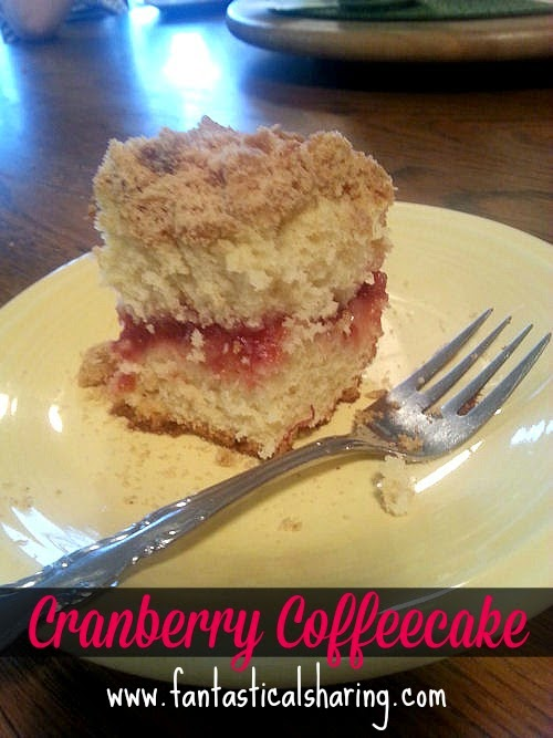 Cranberry Coffeecake | A moist decadent coffeecake with a tart cranberry filling and sweet crumb topping #SecretRecipeClub #recipe #breakfast #cake