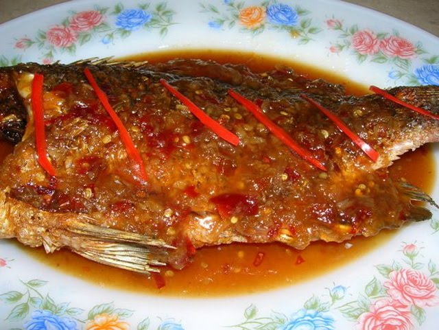 Fried fish with sauce for Sauce for fried fish