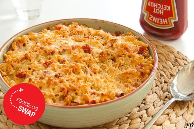 macaronischotel uit de oven met ham en kaas