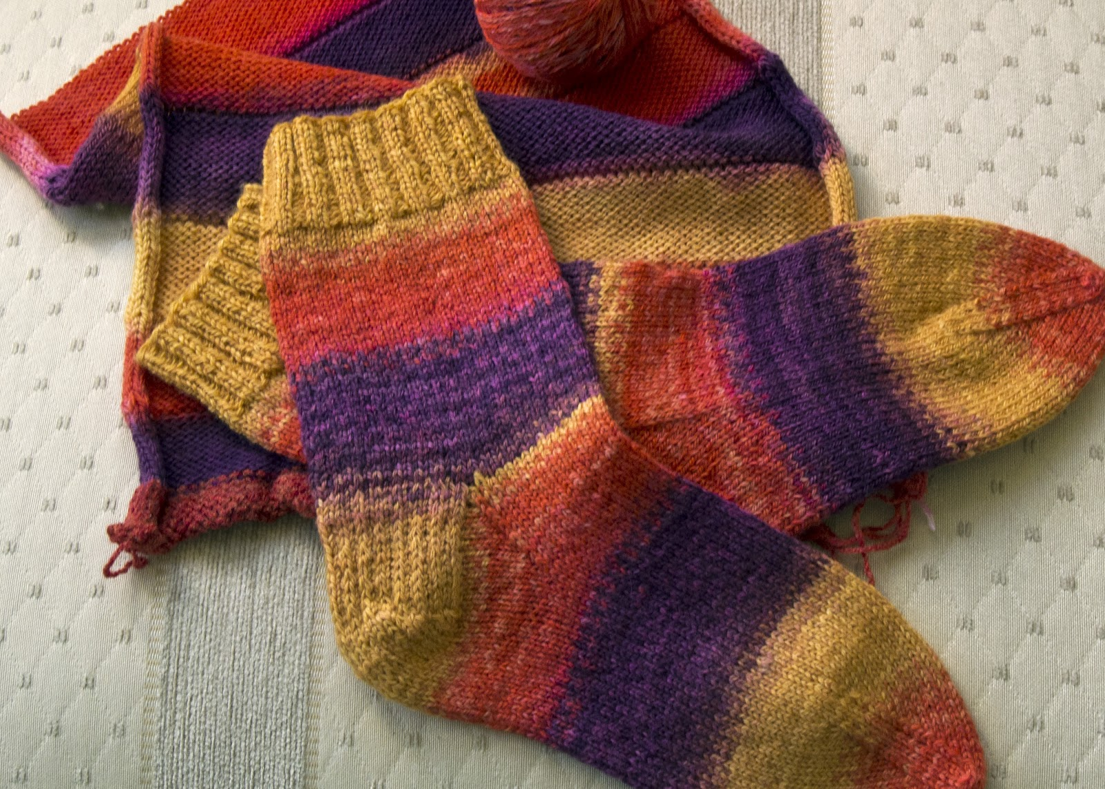 Knitting Nancy Machine : Weavespindance nancy roberts knitting to dye for ii