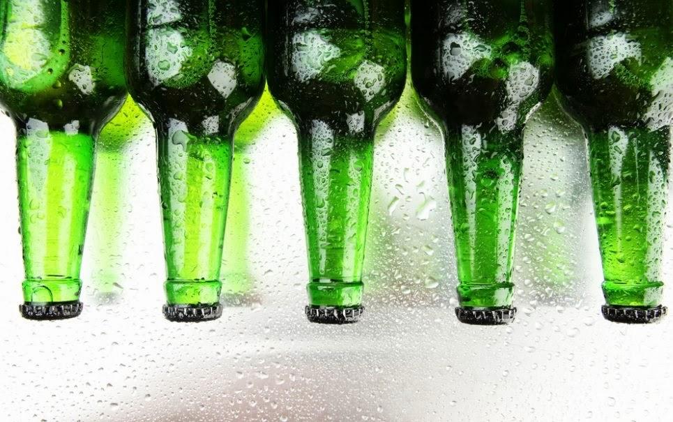 Aprenda como gelar a cerveja em 4 minutos.