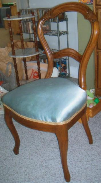 Balloon Back Chair5