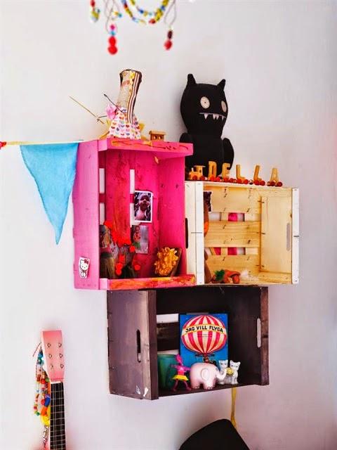 Varias ideas originales de - Estanterias con cajas de fruta ...
