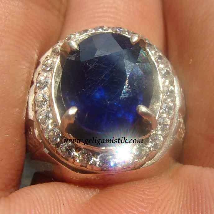 batu blue safir,permata blue safir,khasiat blue safir,batu permata blue safir asli,blue safir bagus,blue safir murah,permata safir biru