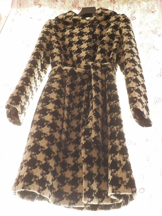 Sisley houndstooth coat