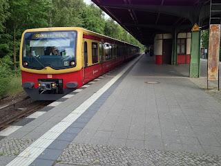 S-Bahn + Bahnindustrie: Große Pläne aus der Kleinstadt Bombardier aus Uelzen bewirbt sich um das S-Bahn-Teilnetz Ringbahn, aus Die Welt