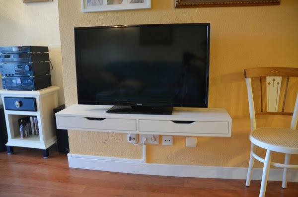 Caballito de cart n crear un mueble para t v - Como hacer un mueble para tv ...